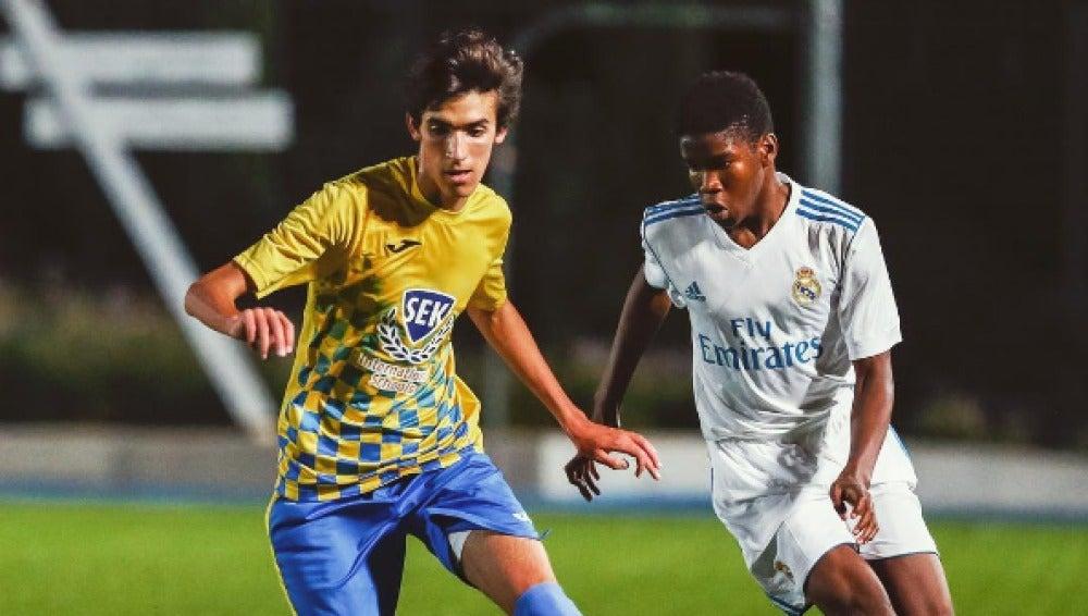 Jorge González, jugando contra el Real Madrid