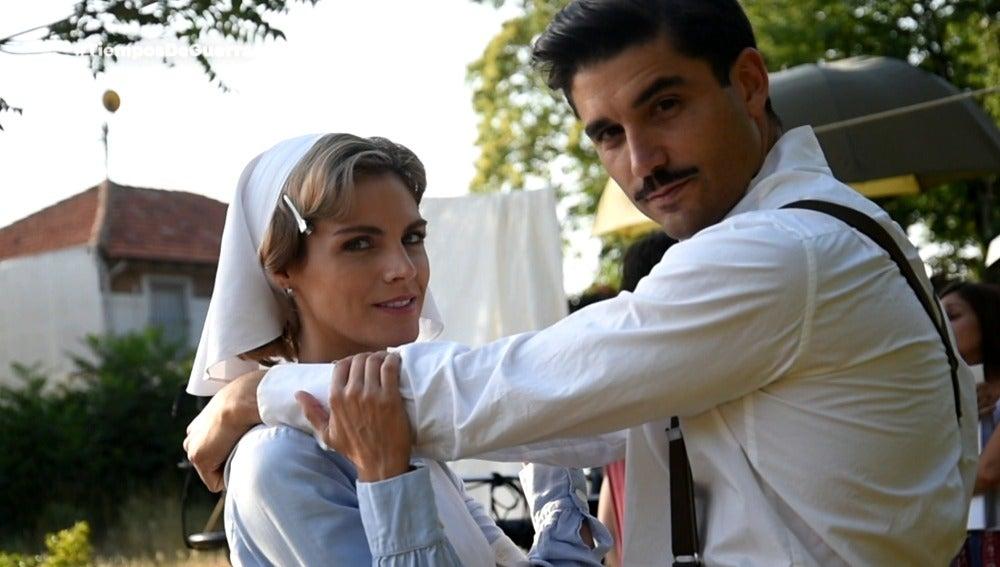 El rodaje del beso más esperado de 'Tiempos de guerra', el de Fidel y Julia