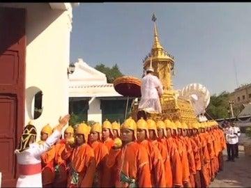 El rey de Tailandia ha sido incinerado hoy aunque murió el año pasado