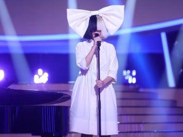 Una impecable Diana Navarro se vuelve de 'Titanium' como Sia