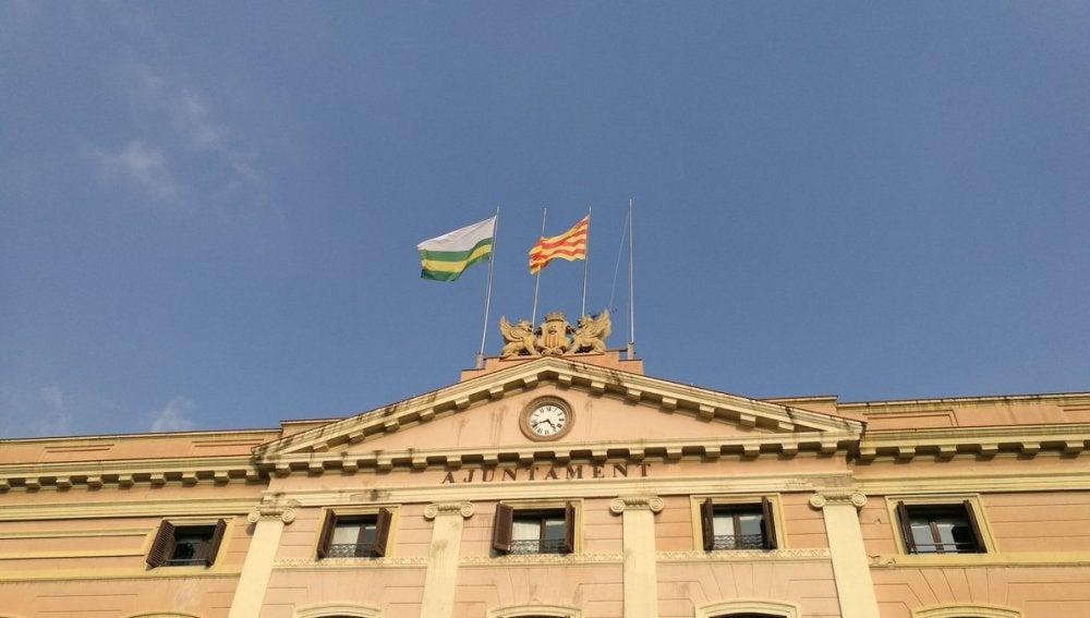 El Ayuntamiento de Sabadell retira la bandera de España