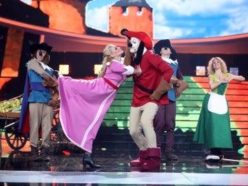 David Amor llena el escenario de magia y aventuras con 'D'Artacán y los tres mosqueperros'