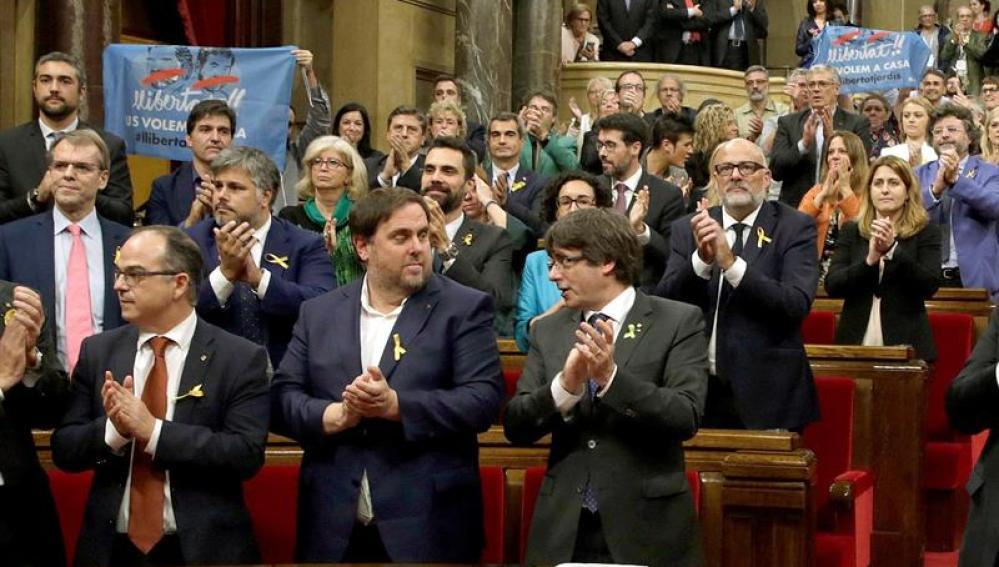 El Parlament tras votar a favor de la independencia unilateral
