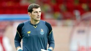 Iker Casillas, durante un entrenamiento con el Oporto
