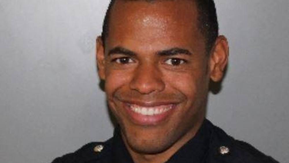 El agente de policía Darryl Robinson