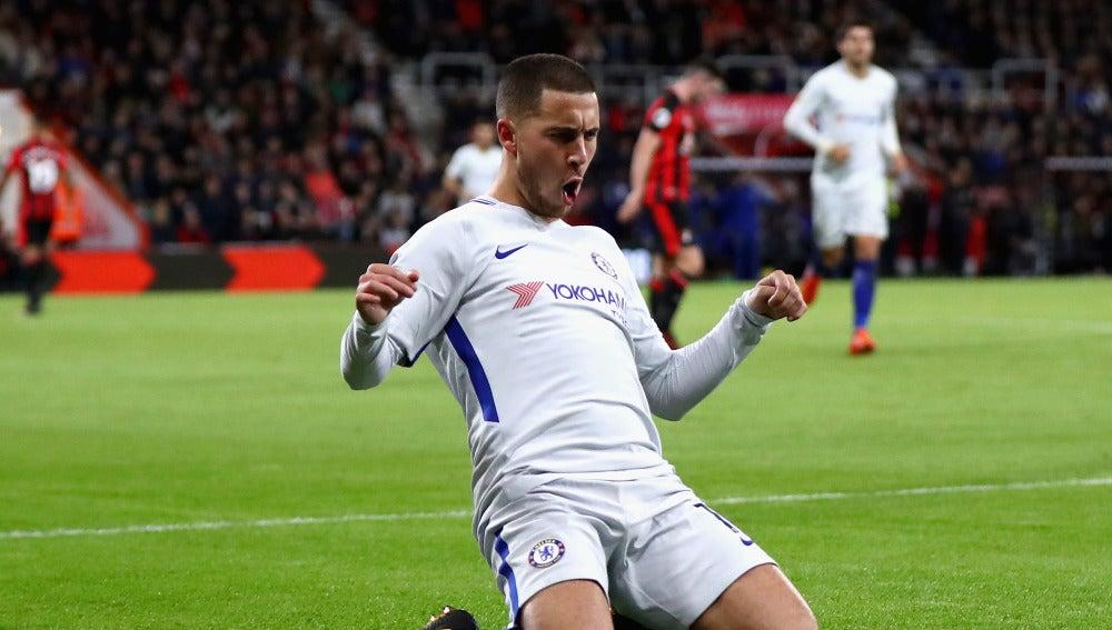 Hazard celebra uno de sus goles con el Chelsea
