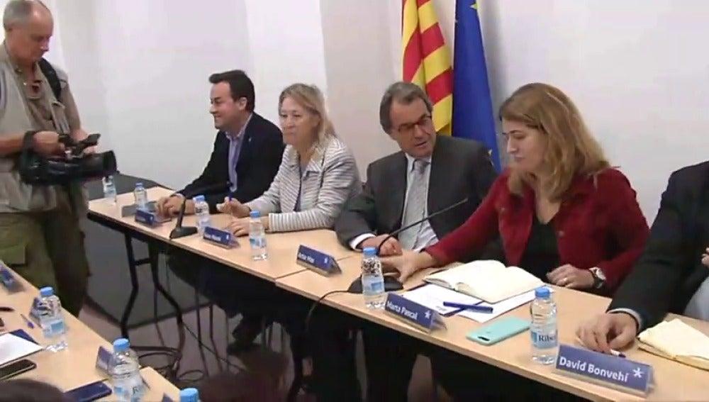 La Ejecutiva del PDeCAT empieza la reunión sin Puigdemont