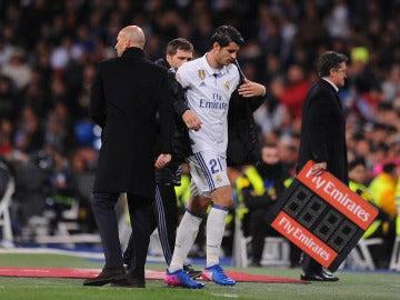 Álvaro Morata se retira del campo tras un partido del Real Madrid