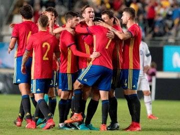 Los jugadores de la Sub-21 celebran el gol ante Islandia