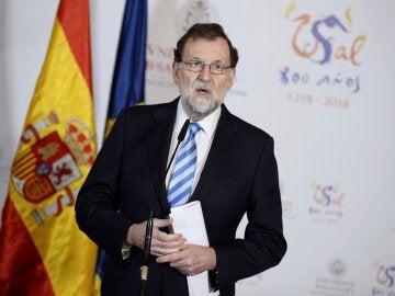 El presidente del Gobierno, Mariano Rajoy, durante la rueda de prensa que ha ofrecido hoy en la Universidad de Salamanca