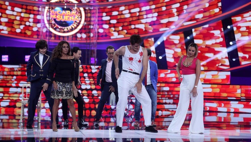David Amor saca su lado más creativo con unos pasos de baile 'a la gallega'