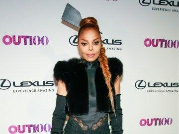 ¿Dónde se ha dejado el cuello Janet Jackson?