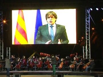 Puigdemont manda un mensaje desde Bruselas que se emite en la manifestación