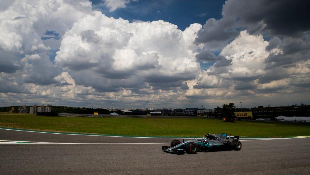 Valtteri Bottas, en el circuito de Interlagos en Brasil
