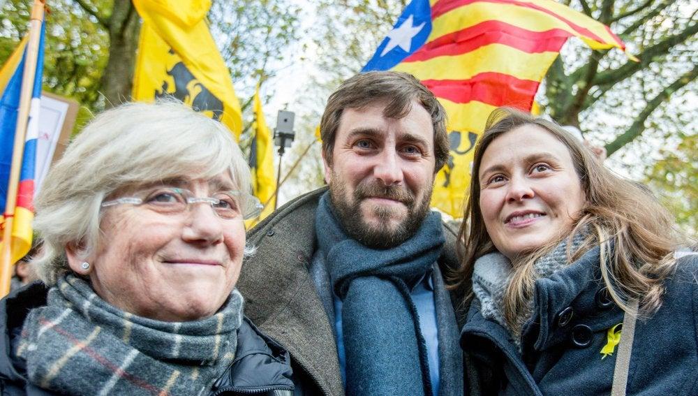 Los tres exconsejeros de la Generalitat de Cataluña Toni Comín, Clara Ponsatí y Meritxell Serret