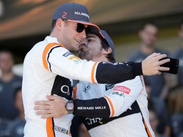 Fernando Alonso, junto a Vandoorne