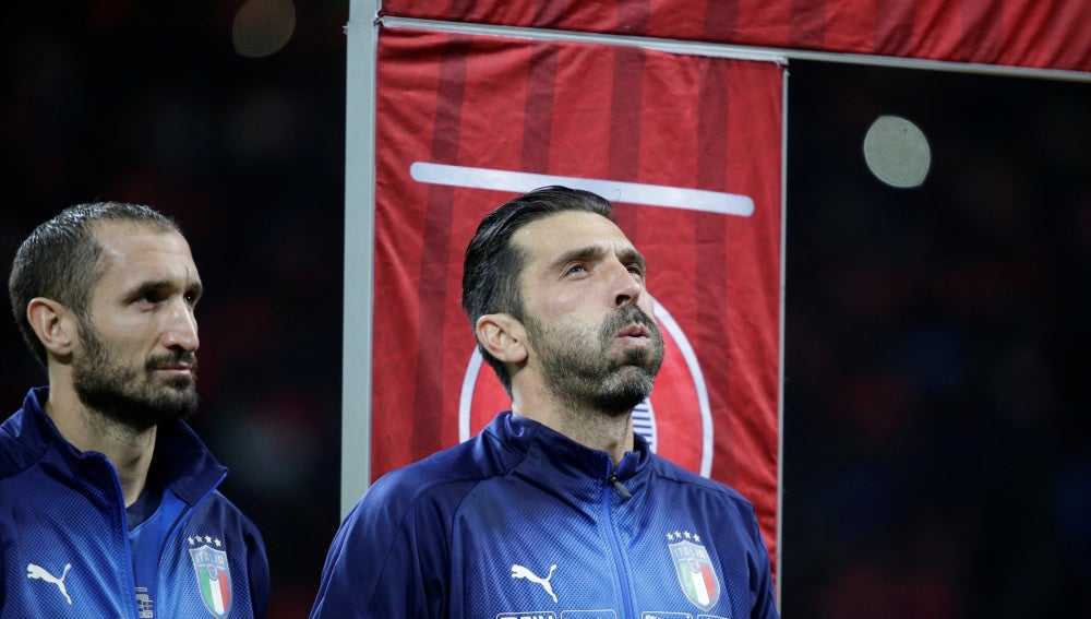 Buffon, antes del Italia - Suecia