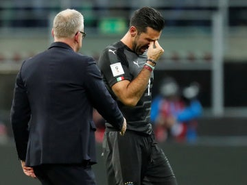 Buffon llora tras quedarse fuera del Mundial de Rusia