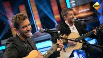 Pablo Alborán y Motos superan su reto cantando a dúo en 'El Hormiguero 3.0'