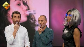 Extensiones de pelo en las uñas, lo último en el mundo de la moda