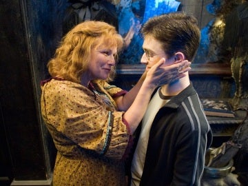 Molly Weasley y Harry Potter