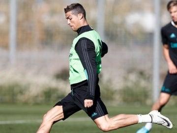 Cristiano Ronaldo se ejercita en Valdebebas