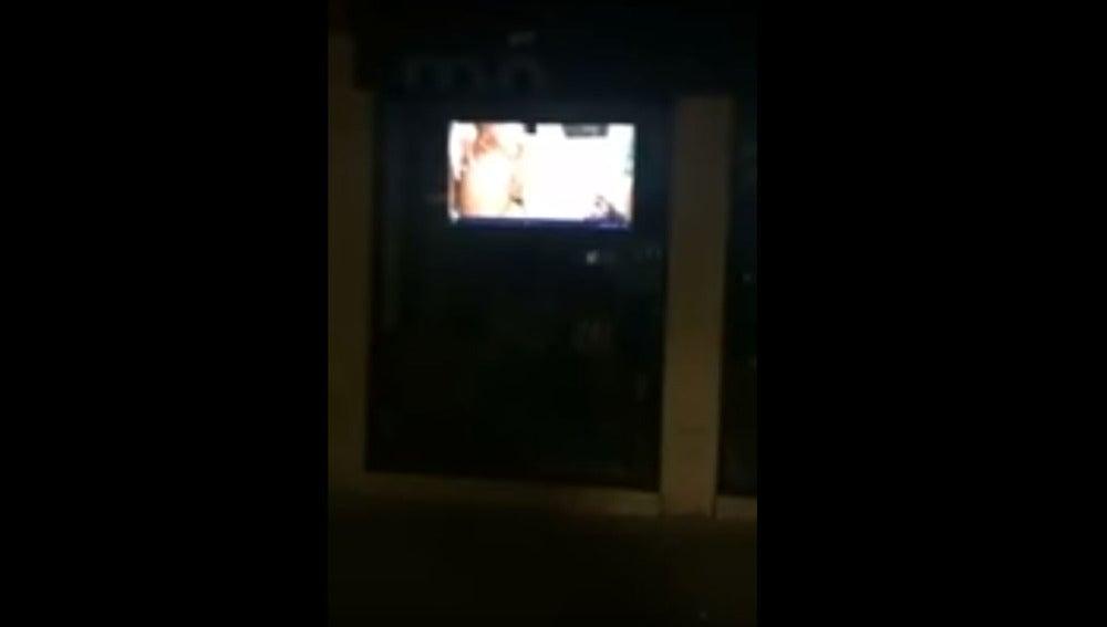 Un viandante grabó la película en vídeo