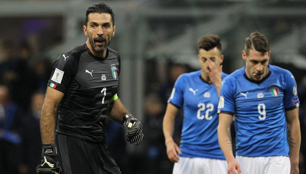 Buffon, cabizbajo tras el empate ante Suecia