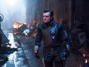Josh Hutcherson en 'Future Man'