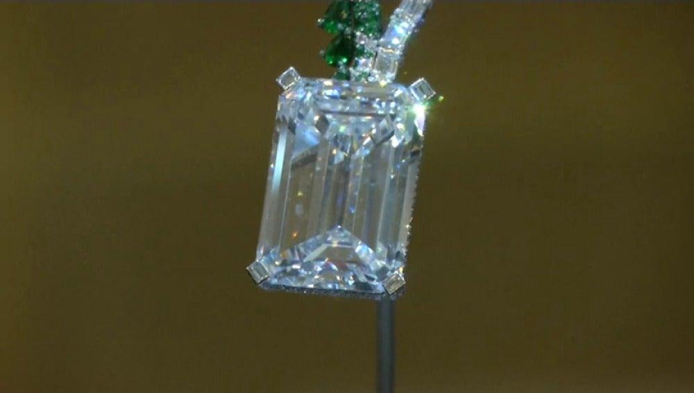 Subastado el mayor diamante sin fisuras por casi 29 millones de euros
