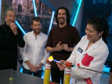 Marron se ayuda de sus 'compinches' japoneses para crear un muelle de vidrio