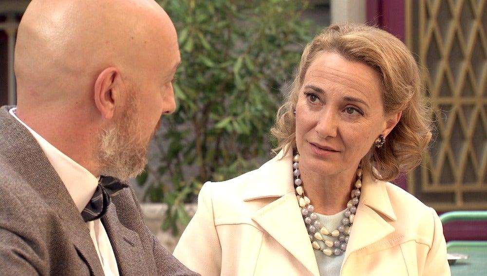 Julián confiesa a Matilde la verdad sobre sus hijos