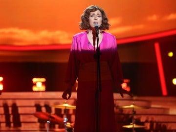 Pepa Aniorte se traslada a los 70 para cantar 'Desde mi libertad' como Ana Belén