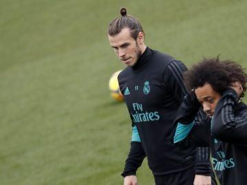 Bale, con Marcelo durante el entrenamiento del Real Madrid