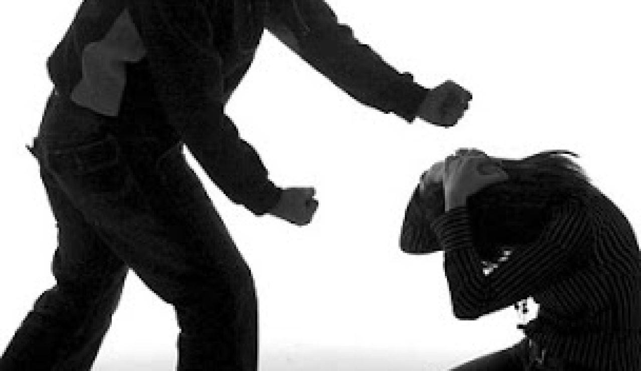 Representación de una escena de violencia machista