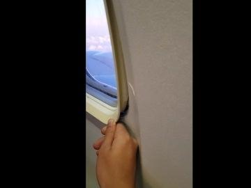 Abre una ventana en pleno vuelo