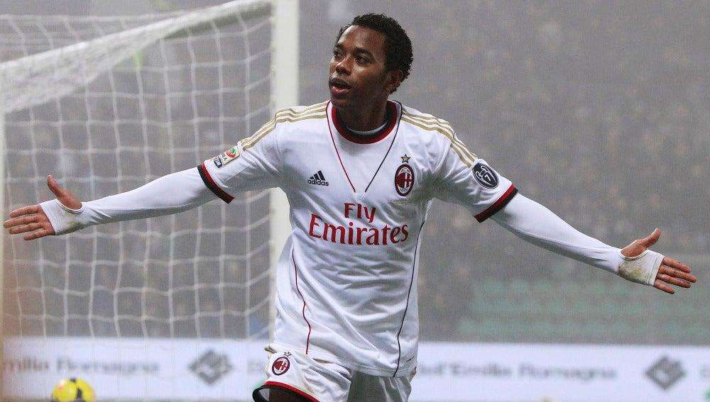 Robinho celebra un gol con el Milan