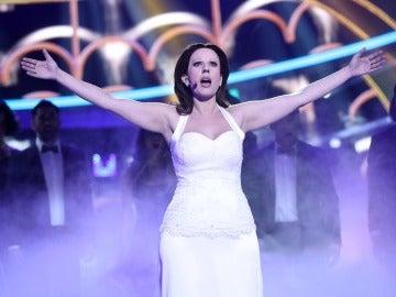 Una angelical Diana Navarro versiona el 'Sueño imposible' de Paloma San Basilio