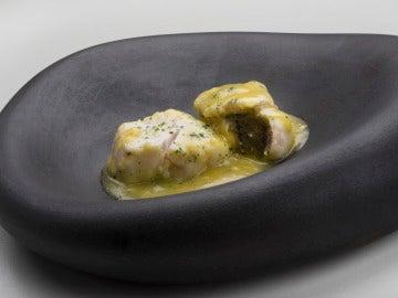 Tacos de merluza con kokotxas al pil-pil