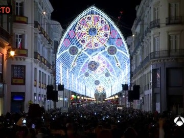 La calle Larios enciende la Navidad en Málaga