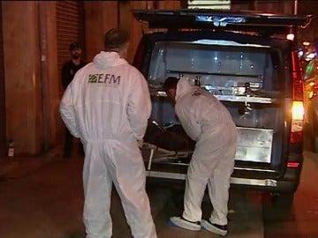 Hallan muertos en su vivienda a una mujer de 42 años y un niño de 13 en Palma