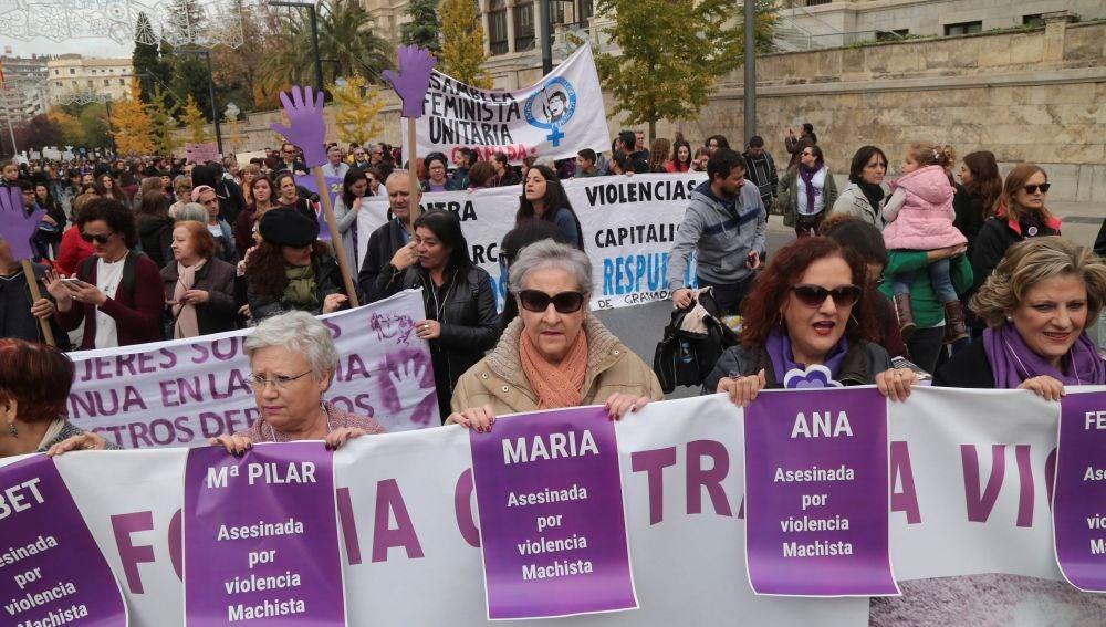 Manifestación contra la violencia de género en Granada