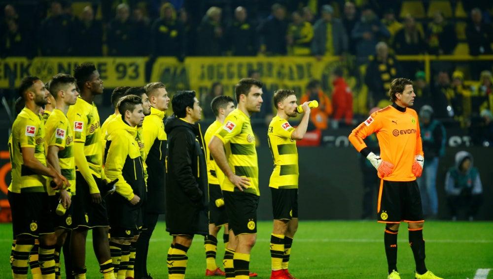 Los jugadores del Borussia, cariacontecidos