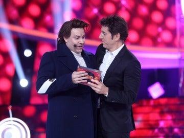 Un sorprendente Miquel Fernández como Harry Styles se hace por tercera vez con el premio en la octava gala de 'Tu cara me suena'