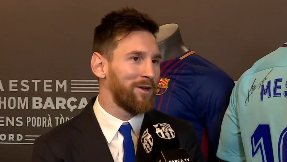 Messi, tras renovar con el Barcelona hasta 2021
