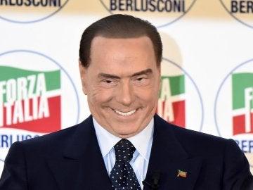 Silvio Berlusconi en un acto de su partido