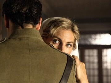 Fidel y Julia, no pueden controlar sus sentimientos