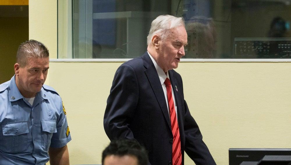 Ratko Mladic durante su juicio ante la Corte Internacional de La Haya