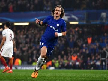 David Luiz celebra un gol con el Chelsea