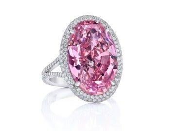 El anillo vendido en Hong Kong